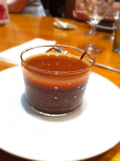 THE coulant aux deux chocolats, sauce caramel
