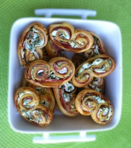 Palmiers ricotta, jambon, herbes
